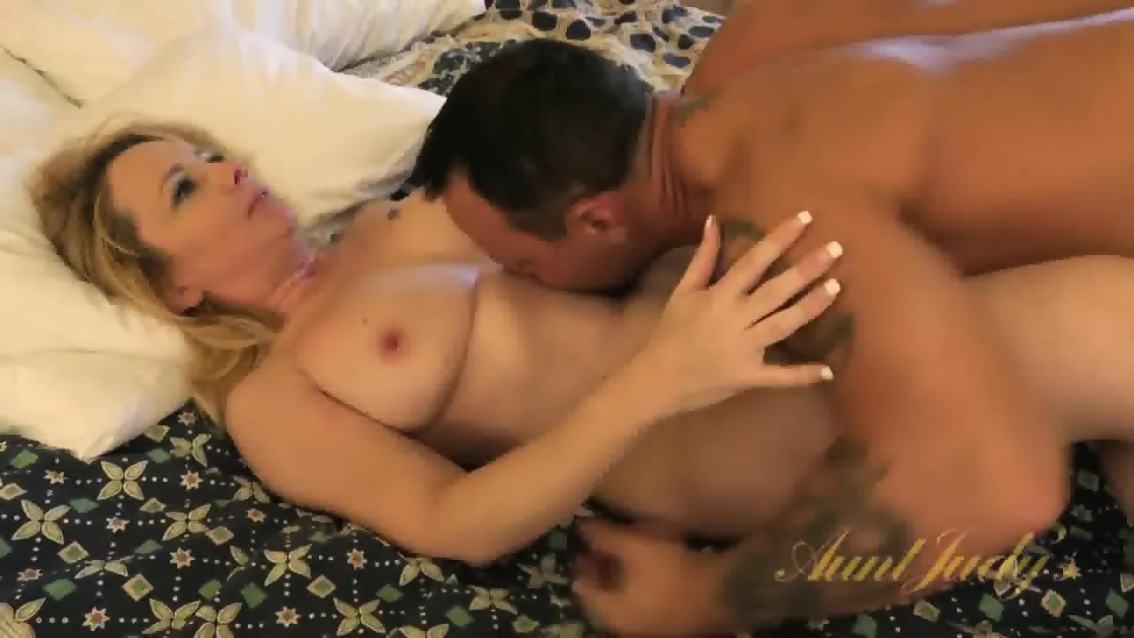 Free sex mom anal