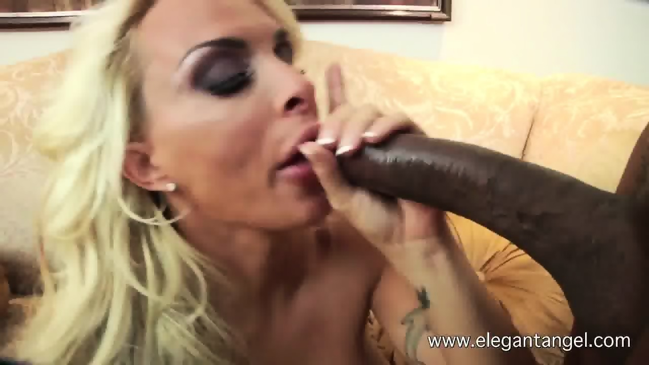 Black rod and mature pussy blonde