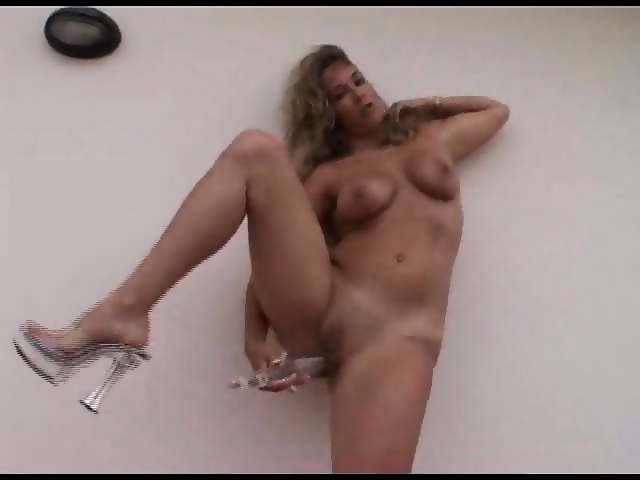 Nude Images Wife wide pussy