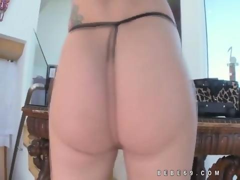 JEANNIE: Sexy close up pics