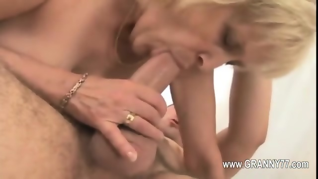 Ebany deep throat