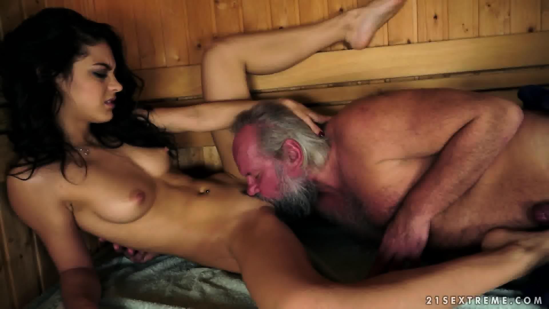 Teen sex v saune