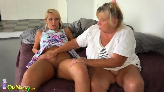 Lesbian granny pussy