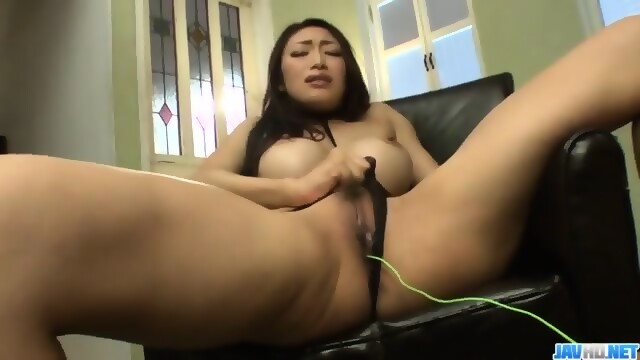 Reiko kobayakawa endures fat dick in her creamy pussy 6