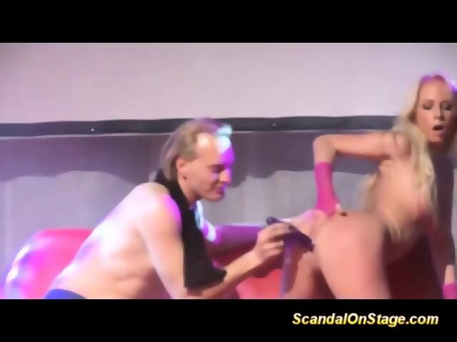 Mature lezbian fisting