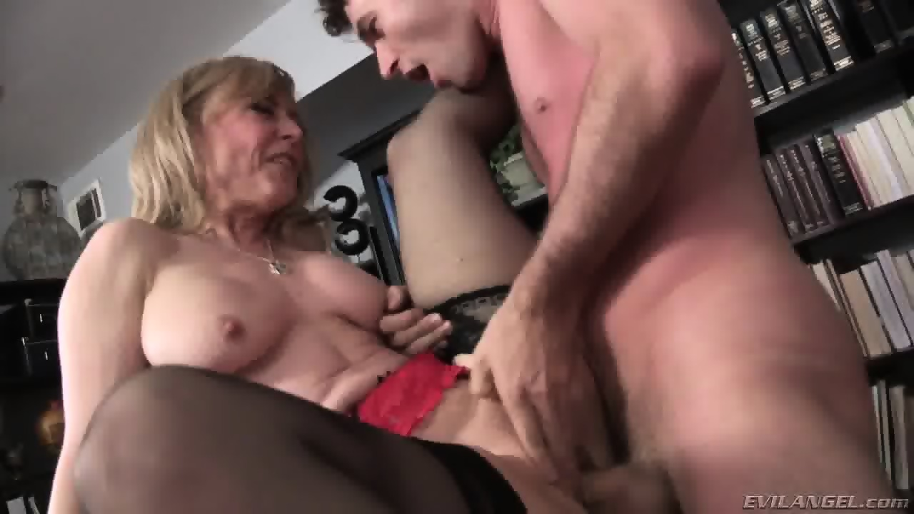 Mature creampie elaine 51 y - 2 part 8