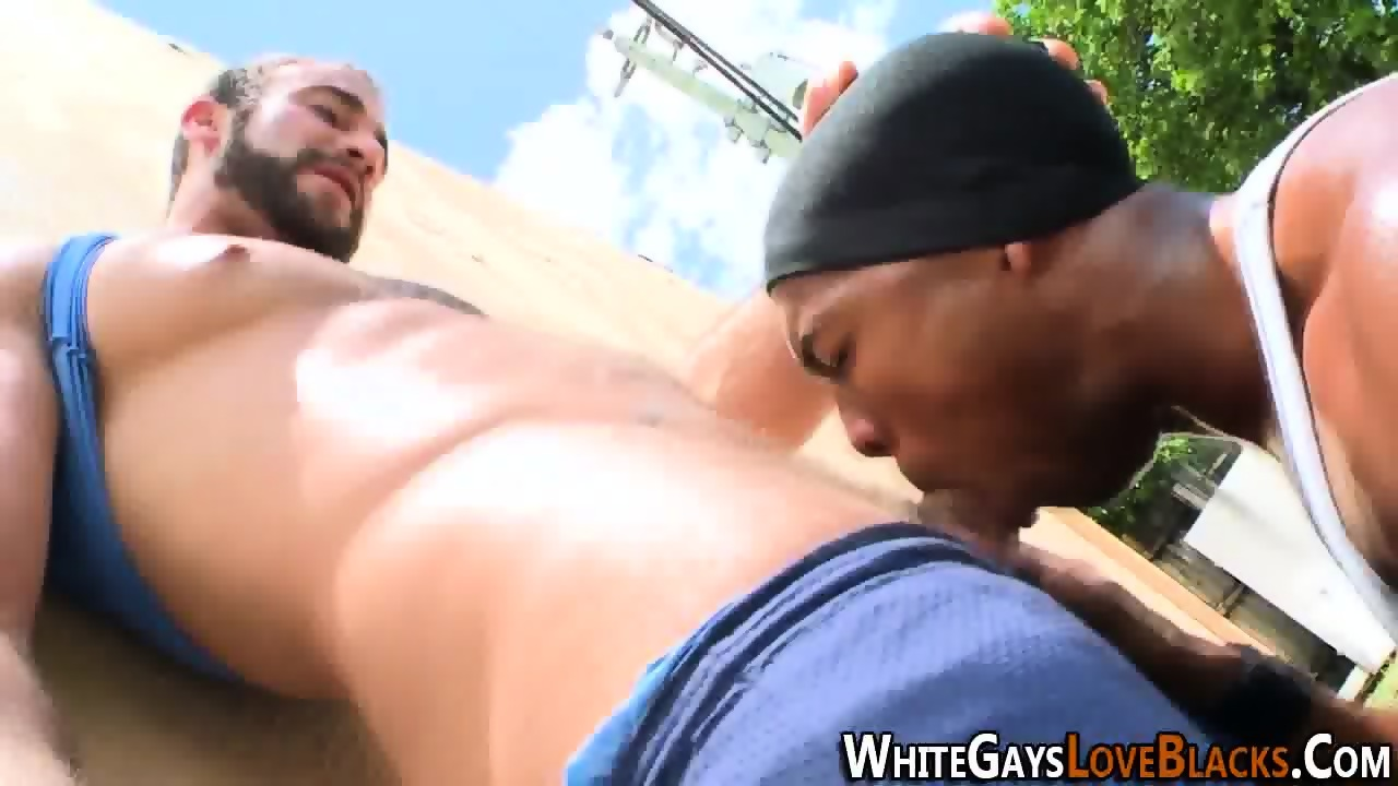 Thug gets face fucked