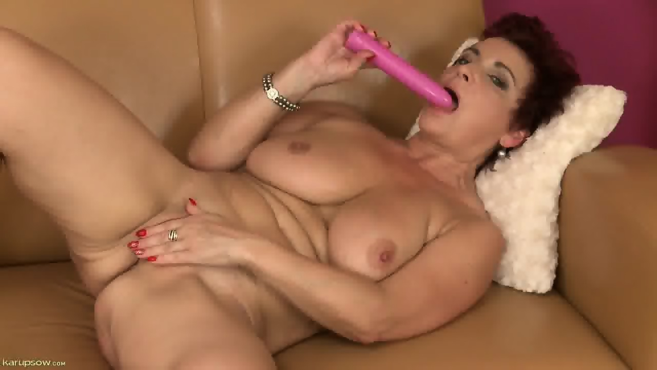 mature hd sklenene dildo