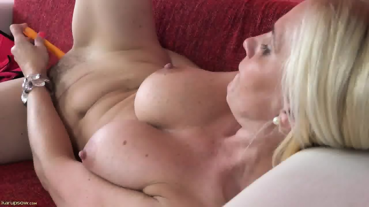 dildos with Mature women