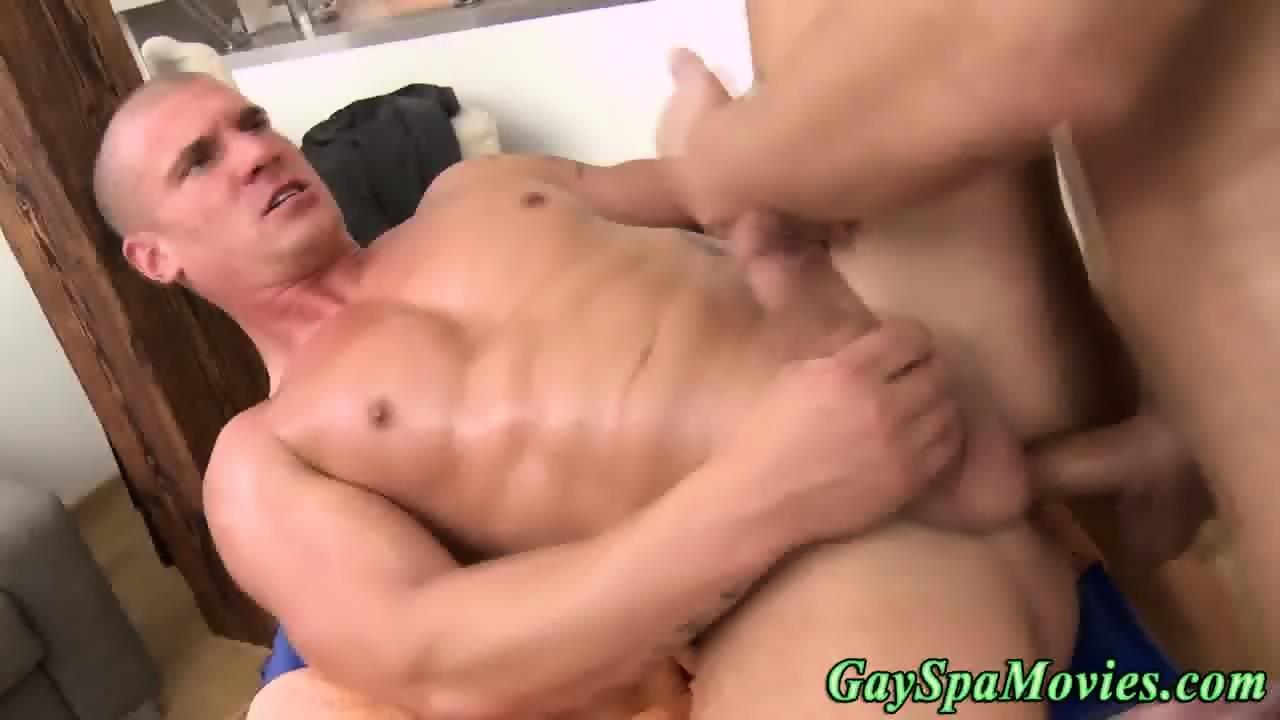 Straighty Hunk Turns Gay