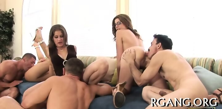 Black threesome with squirting