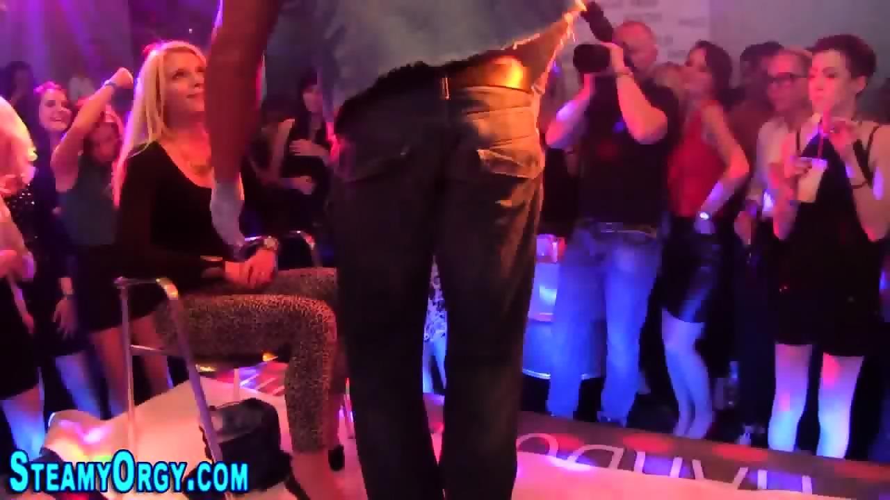 Huge wemon porno