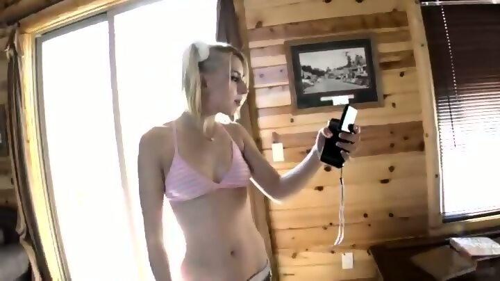 Manuela arcuri nude pussy